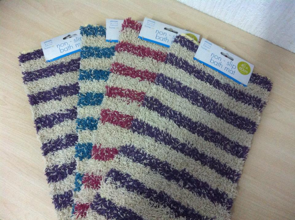 Bathroom Floor Mat ? 2 euros each