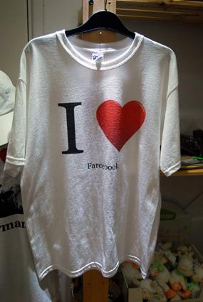 "NEW ""I love Farcebook"" T-shirt - 10 euros"